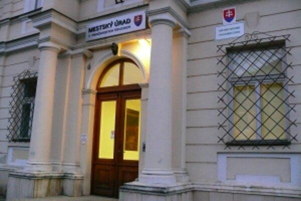 V budove sa v súčasnosti nachádza mestský úrad.