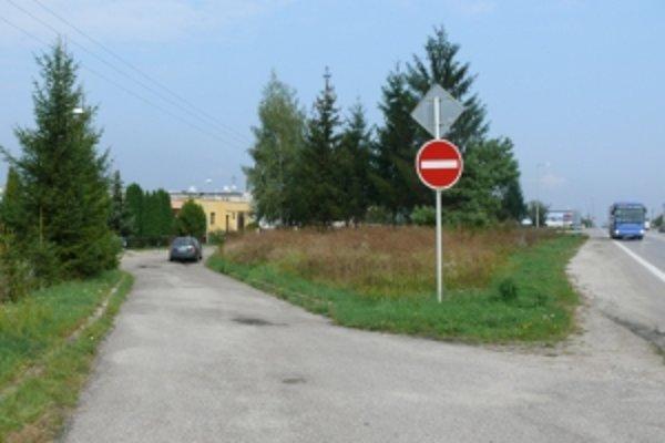 Obyvatelia Opatovej sa boja, že im pumpa skomplikuje prístup k domom.