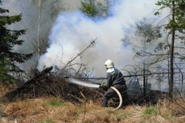 Pri požiari v Hornom Lieskove sa nikto nezranil.