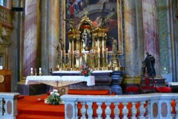 Vzácny kalich ukradol 31-ročný muž z Piaristického kostola.
