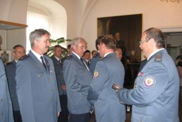 Na sviatok sv. Floriana oceňovali v kongregačnej sále Trenčianskeho múzea hasičov kraja.