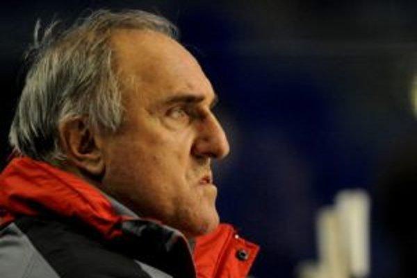 Dukla napriek neúspešnej sezóne trénera pred budúcou sezónou nezmení. Zostáva ním František Hossa.