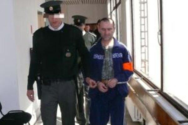 Odsúdený muž vo väzení zostane do konca života.