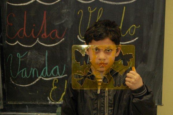 Pokiaľ Slovensko neurobí seriózny krok k odstráneniu nerovnakého prístupu rómskych detí ku vzdelaniu, hrozí nám európsky súd. Vláda zatiaľ vyťahuje z rukáva iba výhovorky.