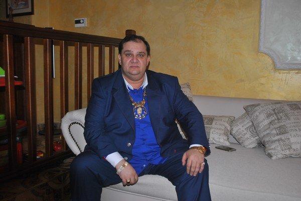 Nový rómsky kráľ je Košičan. Vybral si meno Róbert I.