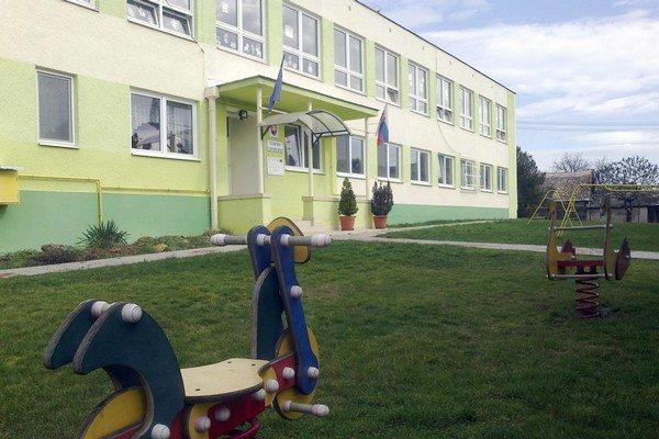 Do školy chodia iba rómske deti.