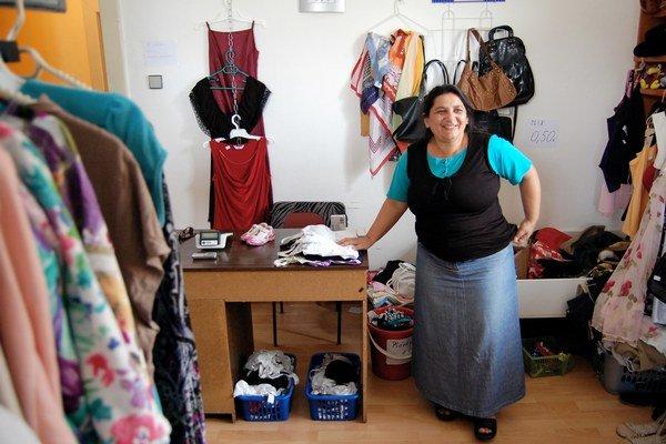 Jana Ferencová vo svojom obchode.