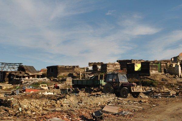 Osada pri Letanovskom mlyne. Toto ostalo po niekdajších chatrčiach.