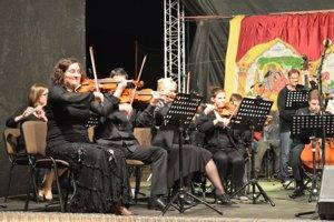 Koncert Čhavorenge s Českou filharmóniou v Lenartove
