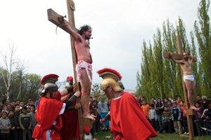 Krížová cesta na Luniku IX