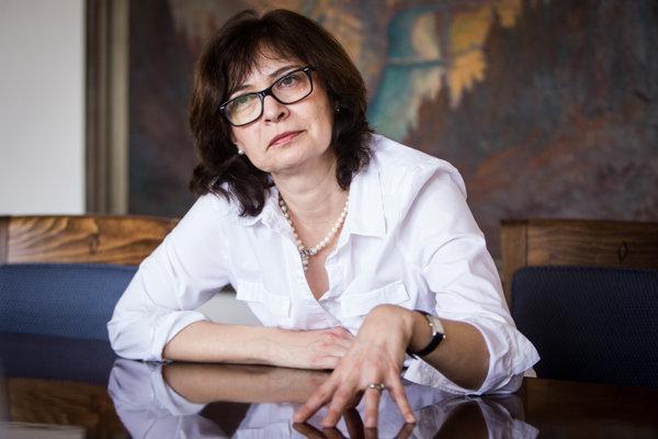 Staronová ministerka Lucia Žitňanská sa na čelo rezortu spravodlivosti vrátila po štyroch rokoch, tentoraz za Most-Híd. Verí, že svoj program presadí aj vo vláde so Smerom.