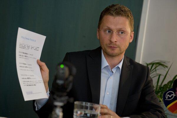 Na snímke predseda LOZ Peter Visolajský.
