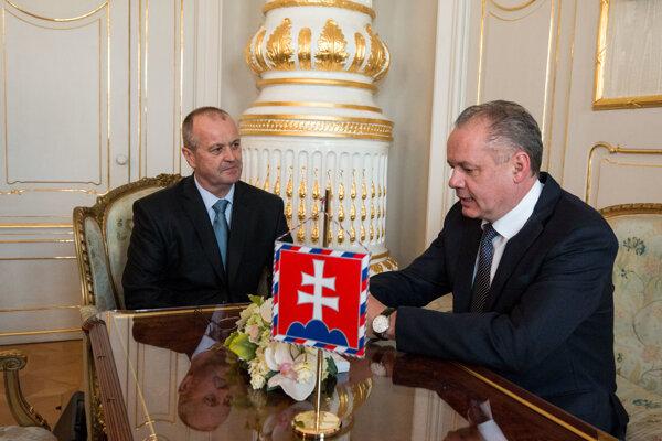 Prezident SR Andrej Kiska a minister obrany SR Peter Gajdoš.