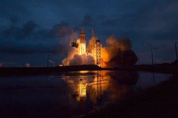 Raketa Delta IV v minulosti na obežnú dráhu vyniesla aj prvú misiu kozmickej lode Orion.