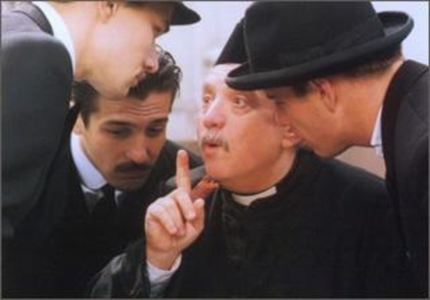 Úspešný román Jadvigin vankúšik dostal aj filmovú podobu. Jednu z hlavných úloh dostal aj Marián Labuda.