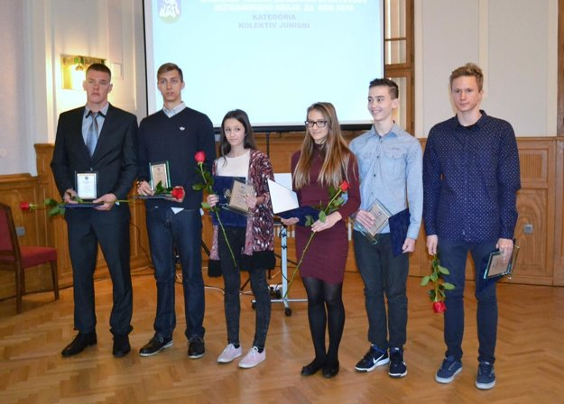 Zástupcovia úspešných juniorských kolektívov.