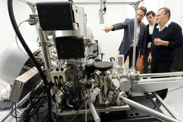 Otváranie nového Centra pre nanodiagnostiku v Slovenskej technickej univerzite.