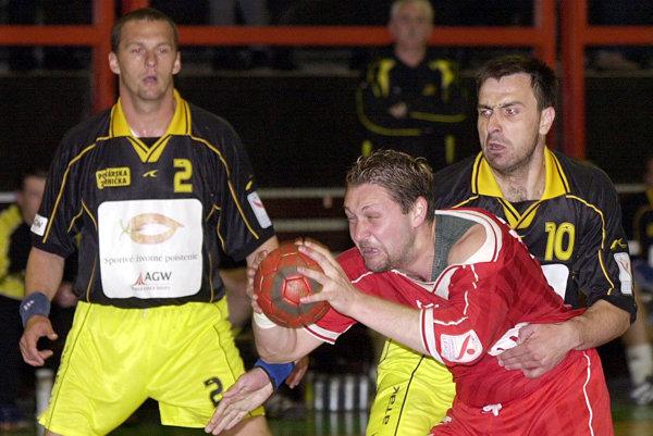 Peter Jano (vľavo) ešte ako hráč v drese tímu ŠKP Sečovce.
