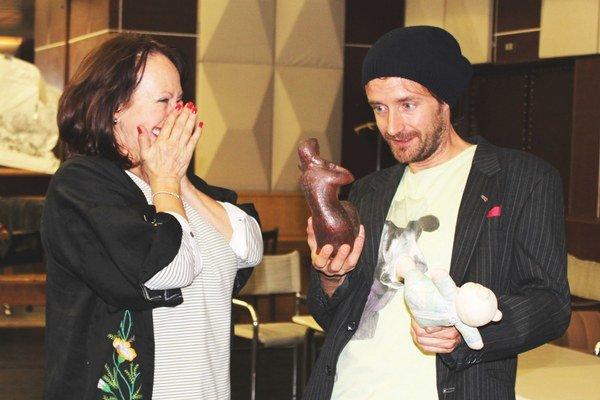 Gabriela Dolná a Juraj Hrčka sú hlavnými protagonistami hry Búrlivá jar, ktorú v premiérach DAB uvedie 22. a 23. októbra.