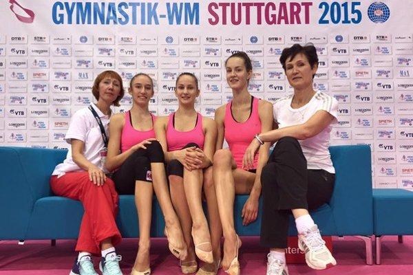 Výprava slovenských moderných gymnastiek na MS v Stuttgarte.
