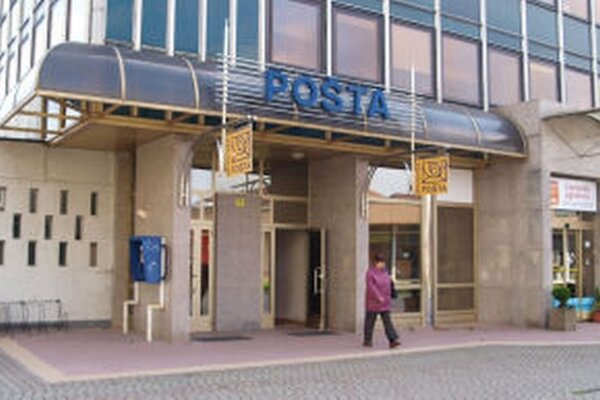 Jediná pošta v meste je roky terčom sťažností Žiarčanov.