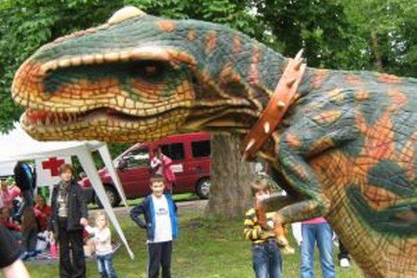 Do Žiaru prišli dinosaury.