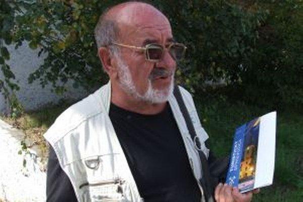Jozef Rusňák, zostavovateľ najnovšieho turistického sprievodcu Novej Bane.