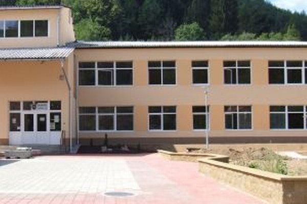 Základnú školu vo Vyhniach len nedávno zrekonštruovali.