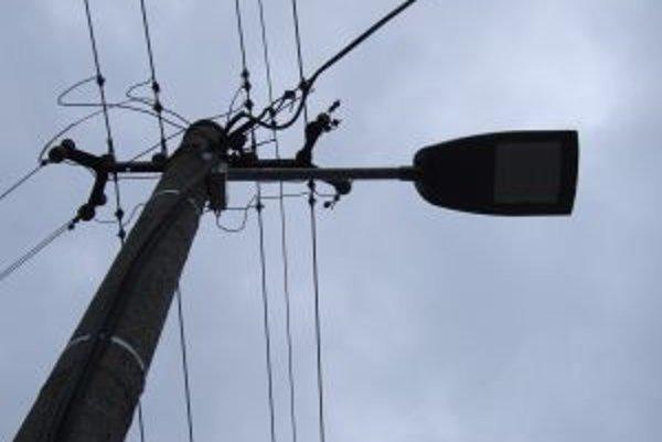 Lutila investovala do nového verejného osvetlenia, no už v prvých týždňoch dochádzalo k jeho výpadkom.