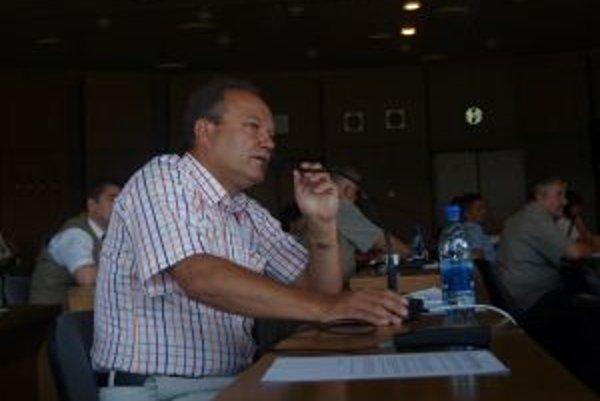 Ladislav Kukolík sa o primátorskú funkciu zaujíma opäť. Vo voľbách 2010 skončil druhý.