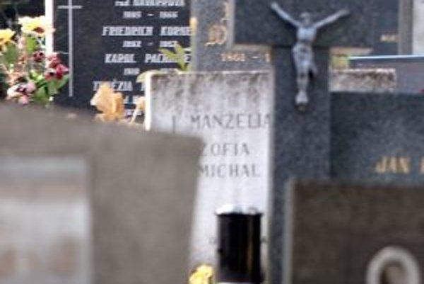 Úpravy obecného cintorína chcú stihnúť do Dušičiek.