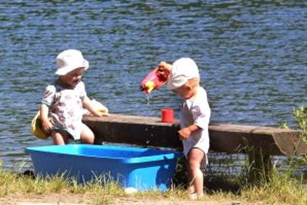 Počúvadlianske jazero. V okolí je najväčšie a najvyhľadávanejšie.