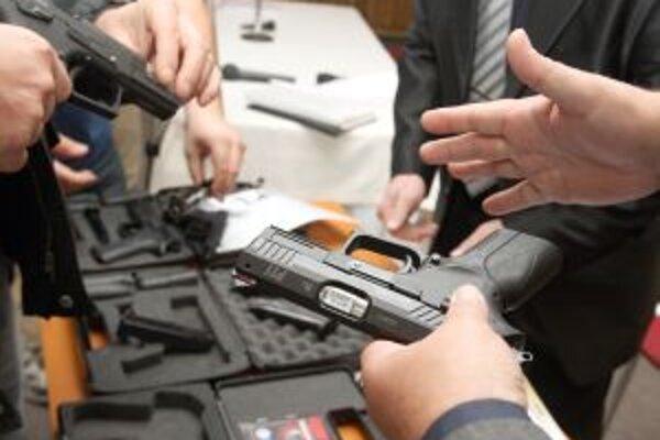 Nová fabrika by mala vyrábať krátke palné zbrane.