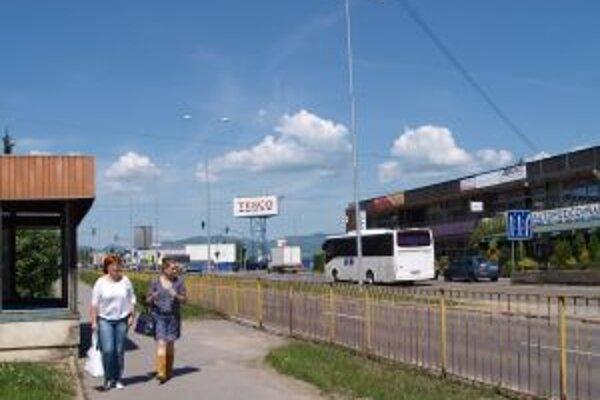 Obchvat má presunúť dopravu z Ulice SNP mimo mesto.