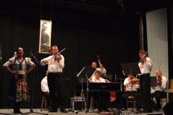 Memoriál Jozefa Tužinského. Na jeho počesť hral v Novej Bani Temperament cimbal orchestra.