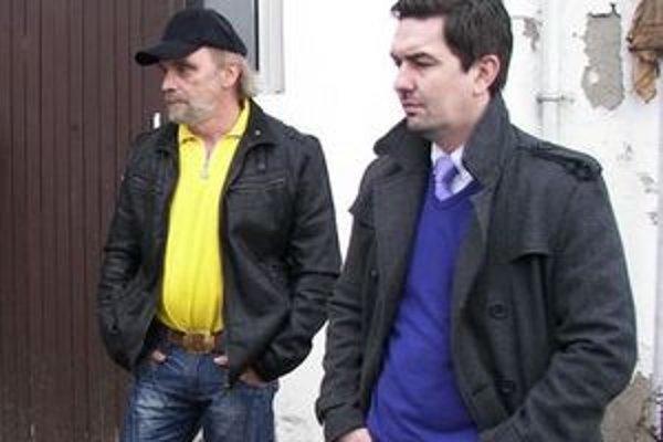Zdenko Kluzáček (vľavo). Na mieste správcu útulku skončil, ako mestský policajt však bude pôsobiť naďalej.