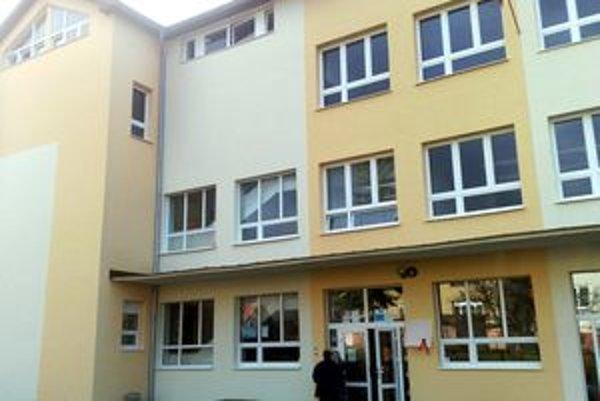 Zrekonštruovaná Základná škola Jozefa Horáka v Banskej Štiavnici.