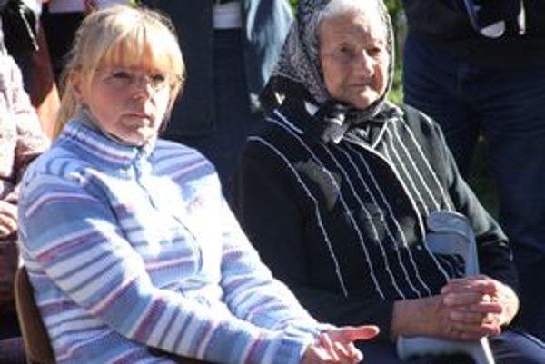 Júlia Červenáková (vpravo) poznala Kopernickú babičku osobne. Spomína si, že k chorým chodila aj v noci, s lampášom v ruke.