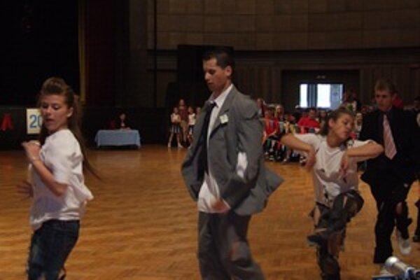 Na parkete sa celkovo predviedlo 270 tanečníkov.