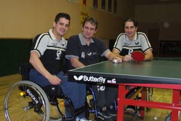 Slovenskí paralympionici Peter Mihálik, Rastislav Revúcky a Andrej Meszároš.