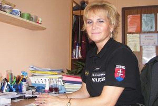 Policajtka Jana Šmondrková sa prevencii detskej kriminality venuje roky. Pri svojej práci sa stretáva aj s detskou prostitúciou.