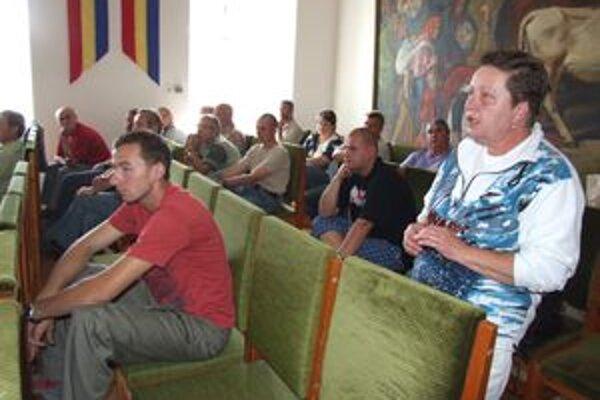 Nespokojní Kremničania na mestskom úrade protestovali proti vybudovaniu ďalších sociálnych bytov.