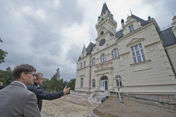 Kaštieľ v Budmericiach  dokončia v predstihu.