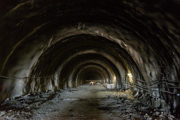 Prerazený tunel Ovčiarsko.