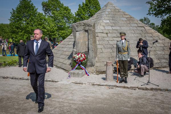 Prezident SR Andrej Kiska počas pietnej spomienky pri príležitosti 97. výročia tragickej smrti Milana Rastislava Štefánika.