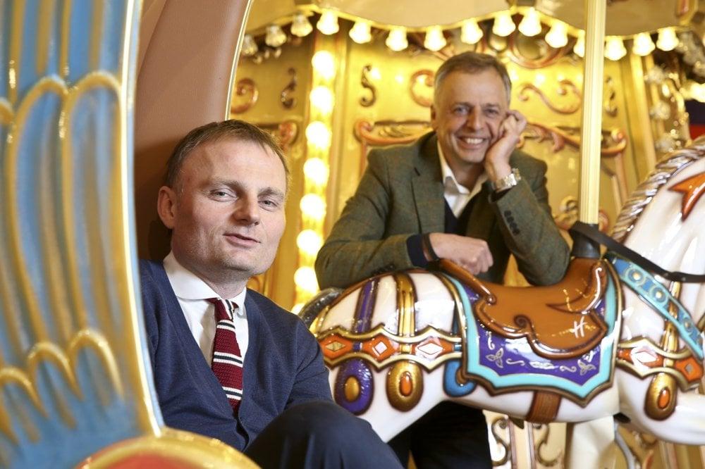 Českí biznismeni, ktorí priniesli Hamleys do Prahy. Pavel Čmelík (vľavo) a Pavel Zavadil zo spoločnosti Inexad, ktorá vlastní franchisingovú lincenciu pre celú strednú Európu.