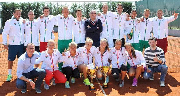 Víťazné tímy mužov a žien TC EMPIRE.