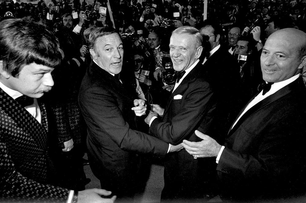 Gene Kelly a Fred Astaire počas príchodu na festival.