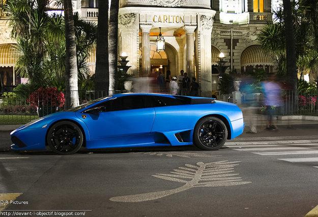Festival vždy priláka do Cannes aj celebrity a boháčov s primeraným vozovým parkom.