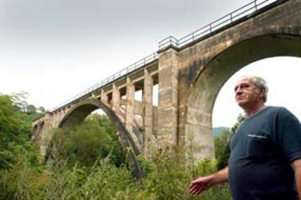 Viadukt je súčasťou gemerských spojok.